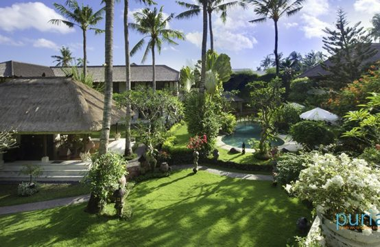 Villa Taman Sorga - Guest Wing Downstairs Master Bedroom and Dressing Room
