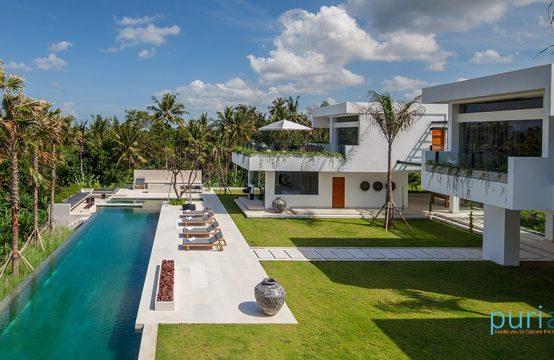 Villa Palm House - Luxury Five Bedroom Villa in Canggu