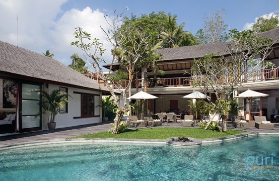 Villa Iskandar - Four Bedrooms Villa in Canggu
