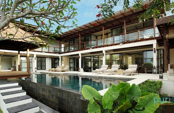 Villa Adenium - Luxury Four Bedroom Villa in Jimbaran