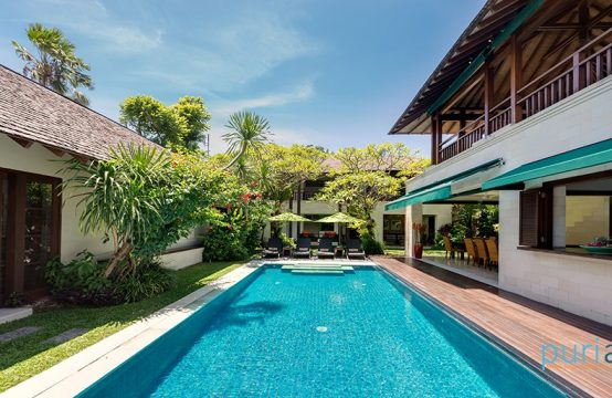 Villa Shinta Dewi - Four Bedrooms Villa in Seminyak