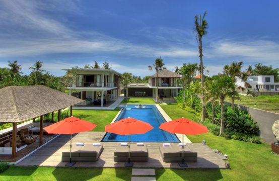 Villa Kalyani - Five Bedrooms Villa in Canggu