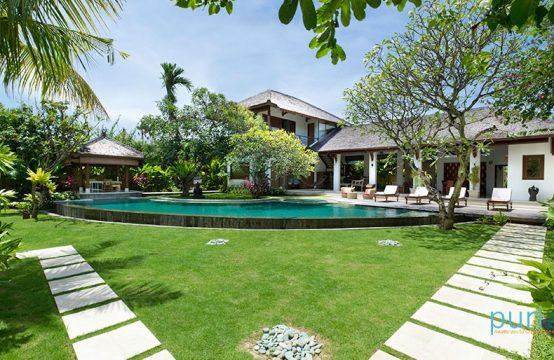 Villa Maharaj - Seminyak Four Bedrooms Villa