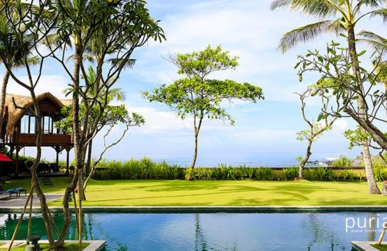Villa Maridadi - Luxury Five Bedroom Villa in Canggu