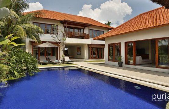 Amore Villas - Pool and Villa