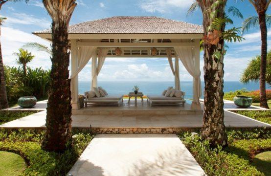 Villa Tamarama - Poolside Bale