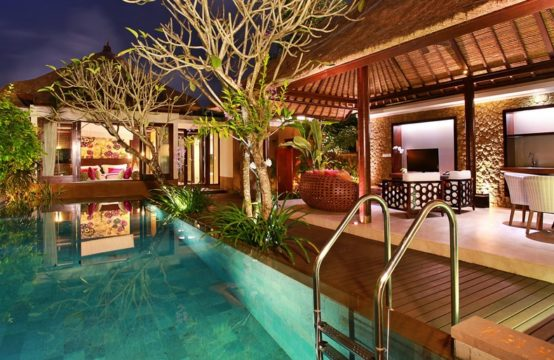 Amarterra Two Bedroom Villas - Pool and Villa at Night