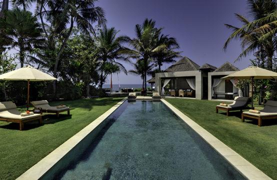 Villa Maya - Beachfront Villa