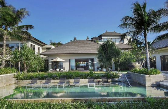 Ritz Carlton Oceanfront Villa