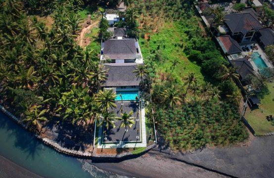 Kutus Kutus Saba Villa - Beachfront VIlla in Sanur